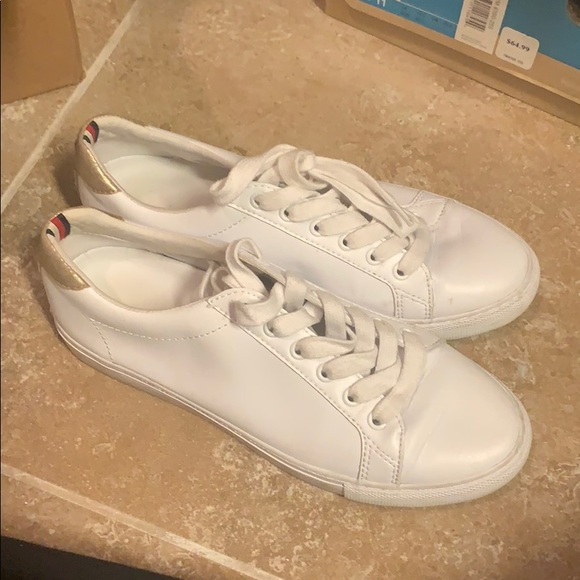 Tommy Hilfiger White Sneakers With Gold